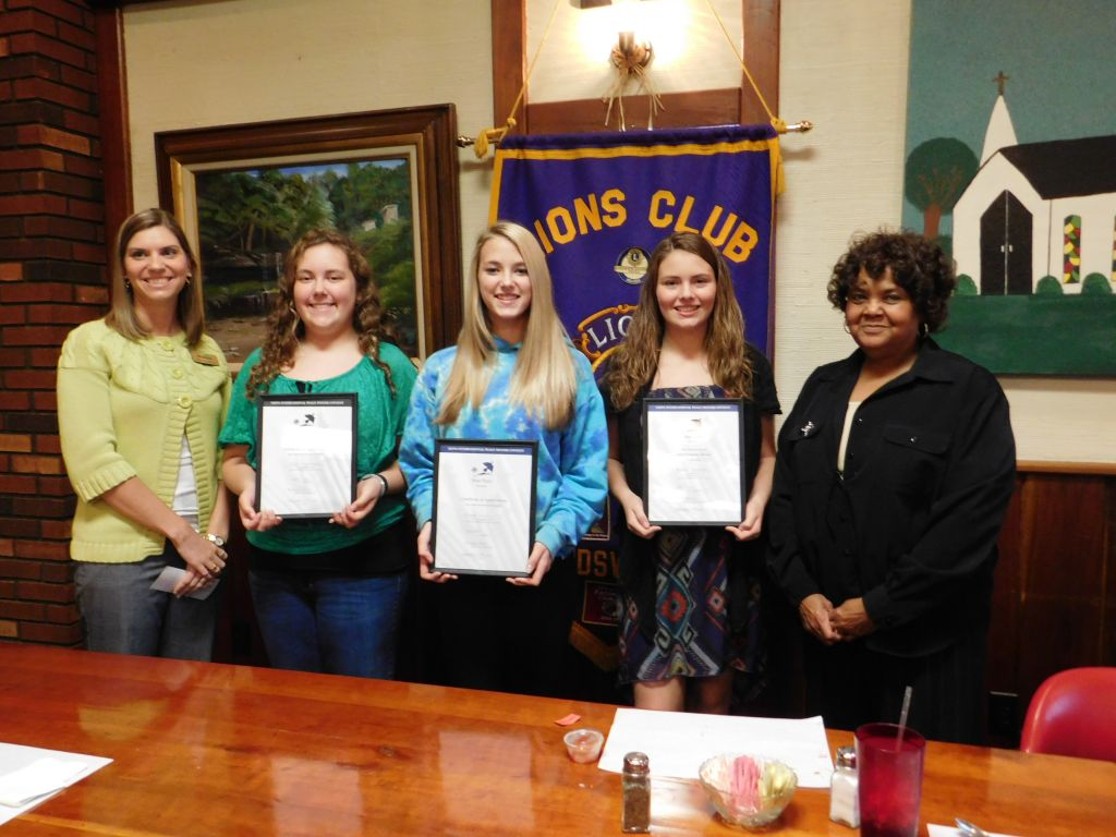 From left to right:  Brittany Birch (WesBanco), Logan Riggenbach (3rd place), Morgan Brisco (2nd place), Justice Robinson (1st place) and Ms. Saunders of the Lions Club.